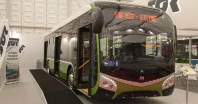 Novými vozy se cestující hradecké MHD svezou již o prázdninách